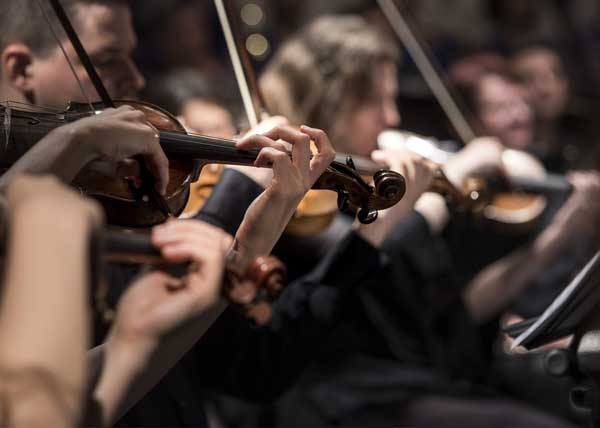 AIRCRAFT CHARTER SERVICES FOR ORCHESTRAS